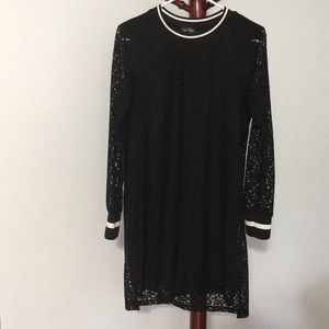 Long-Sleeves Lacy Black Dress